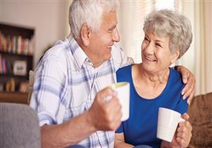 لكبار السن.. دراسة توضح فوائد تناول 5 أكواب من هذا المشروب يوميًا