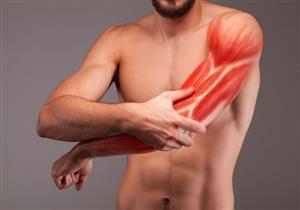 يستدعي زيارة الطبيب.. إلى ماذا يشير ألم الذراع الأيسر؟