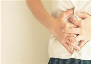 الشعور بألم في البطن قد يكون علامة على احتشاء عضلة القلب