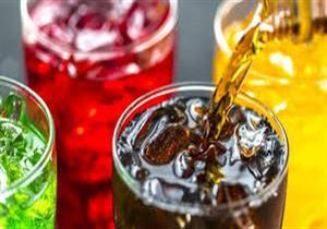 ماذا يحدث في جسمك عند تناول المشروبات الغازية يوميًا؟.. خبيرة تغذية تجيب
