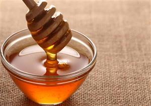 """أفضل من المضادات الحيوية.. """"أكسفورد"""" توضح أهمية العسل في علاج بعض الأمراض"""