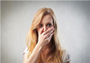 قرح الفم تزعجك؟.. إليك طرق علاجها والوقاية منها