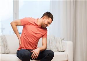 الإمساك وآلام الظهر.. هذه الأعراض تستدعي زيارة الطبيب