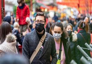 """هل كورونا يمثل خطرًا على الشباب كغيرهم؟.. """"الصحة العالمية"""" تحسم الجدل"""