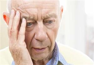 3 مراحل لمرض ألزهايمر.. كيف تكتشف المصاب به؟