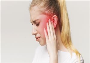 5 علاجات منزلية لتخفيف ألم الأذن