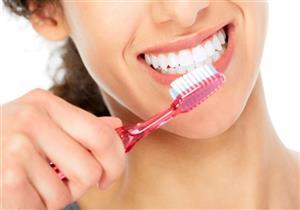 طبيبة تحذر من استخدام غسول الفم بعد غسل الاسنان.. يهدد بالتسوس