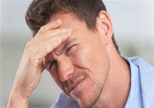 أطعمة يجب تجنبها عند الإصابة بالصداع.. منها المكسرات