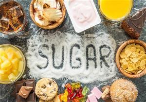 لا يزيد الوزن فقط.. الإفراط في تناول السكريات يسبب مشكلات في العظام والمفاصل