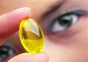 منها فيتامين د.. 3 فيتامينات تعالج جفاف العين (صور)