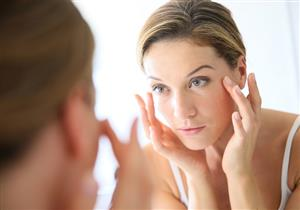 كيف يؤثر اضطراب الهرمونات على بشرتِك؟.. نصائح للحفاظ على توازنها