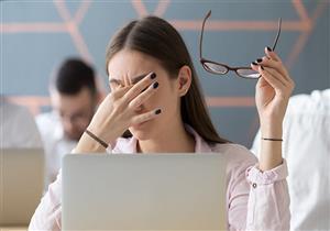 كيف تحمي عينيك من الإصابة بالإجهاد عند العمل على الكومبيوتر؟