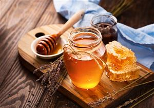 هل يعالج العقم؟.. تعرف على حقيقة الفوائد الجنسية لعسل النحل