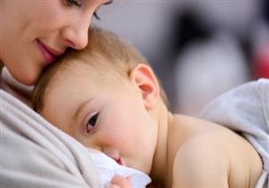 هل تناول الأمهات للأدوية أثناء الرضاعة يضر صحة الطفل؟
