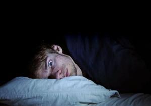 طبيب يوضح العلاقة بين قلة النوم واحتمالية الإصابة بكورونا