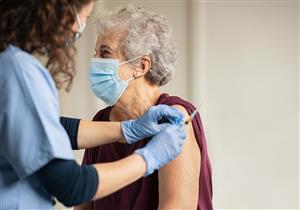 أهم من الوقاية.. خبير أمريكي يكتشف فائدة جديدة للقاحات كورونا