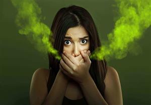 10 أسباب مختلفة لظهور رائحة الفم الكريهة.. منها قصور عمل الكبد