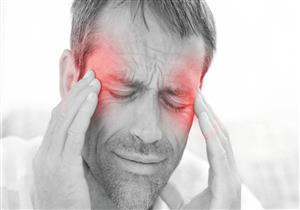 5 أسباب وراء الشعور بالصداع عند الاستيقاظ.. منها القلق
