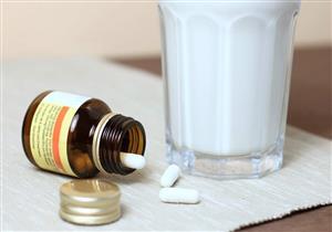 لماذا يوصي الأطباء بعدم تناول المضادات الحيوية مع الحليب؟
