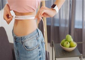 كيف يمكن تناول الطعام دون زيادة الوزن؟.. طبيبة تجيب