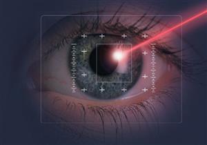 بدلًا من المشرط الطبي.. 5 جراحات للعين تجرى بتقنية الليزر