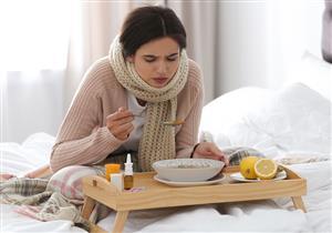 تضعف المناعة.. أطعمة ومشروبات ممنوعة عند الإصابة بنزلات البرد (فيديوجرافيك)