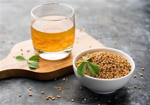 مشروب صباحي مميز.. 5 فوائد تقدمها الحلبة لصحتك على الريق