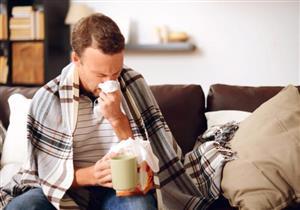 لماذا يعاني البعض من استمرار أعراض الإنفلونزا؟.. دراسة تجيب