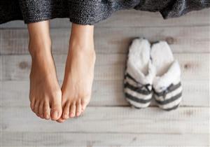 منها المشي.. 5 عادات تدمر صحة قدميك (صور)