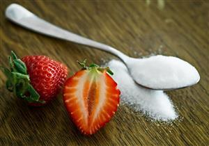 يوجد في الفواكه.. هل يضر سكر الفركتوز بصحة الجسم؟
