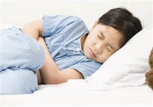 مع دخول الصيف.. كيف تحمين طفلِك من الإصابة بالنزلة المعوية؟ (فيديوجرافيك)