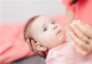 نقط فيتامين د.. متى يحتاجها طفلِك؟
