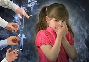 طبيبة تكشف أضرار التدخين السلبي على الأطفال