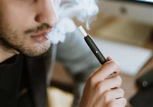 التبغ المسخن.. هل يعتبر أقل ضررًا من السجائر التقليدية؟