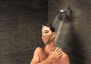 طبيب: الاستحمام لمدة تقل عن خمس دقائق لا يفيد.. إليك الأنسب