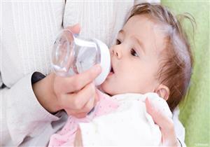 للأمهات.. في هذه الحالة قد يكون شرب الماء قاتلًا للطفل حديث الولادة