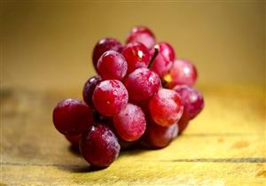 فوائد متعددة للعنب الأحمر.. منها تحسين صحة القلب