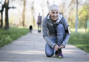 أبرزها المشي.. 5 تمارين مفيدة للنساء بعد انقطاع الطمث