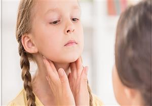 للأمهات.. 9 علامات تكشف إصابة طفلك بقصور الغدة الدرقية
