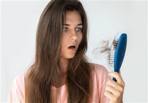 6 عوامل تهدد النساء بتساقط الشعر.. إليك طرق العلاج