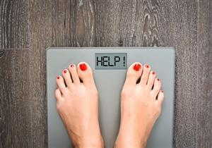 أسباب زيادة الوزن.. خبيرة تغذية توضح العادات الخاطئة المسببة للسمنة