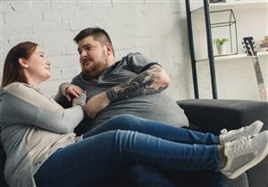 تأثير السمنة على الصحة الجنسية.. هل تسبب العقم؟