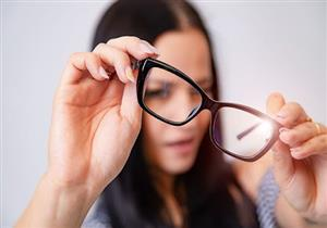 3 علامات تكشف خطأ مقاس النظارة الطبية.. ماذا يحدث للعين عند ارتدائها؟