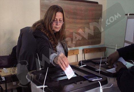 3 رسائل للمرأة في الاستفتاء على الدستور (تقرير)