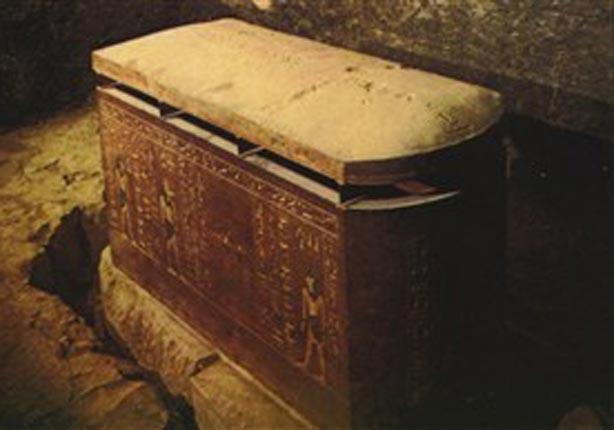 اكتشاف تابوت فرعوني داخل منزل في شرق بريطانيا