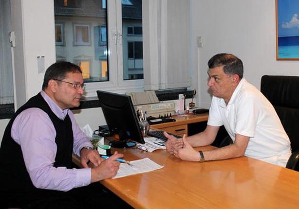 أطباء عرب يهاجرون إلى ألمانيا للعمل بالمستشفيات