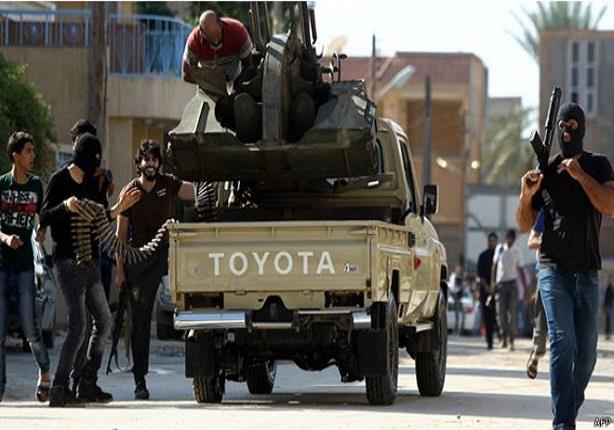 الجيش الليبي يناشد المدنيين اخلاء منطقة الميناء في بنغازي