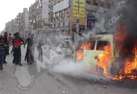 سائق يشعل النيران في صديقه بالدقهلية