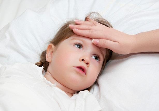 القيء ينذر بالتهاب المعدة والأمعاء لدى الأطفال!