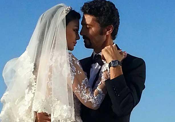 هيفاء وهبي وخالد النبوي يحتفلان بزفافهما في ''مريم''